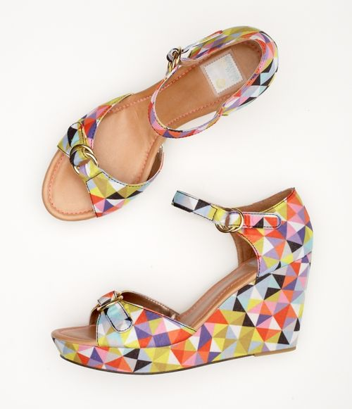 Roxy wedges